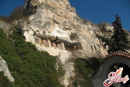 скальные церкви возле села иваново