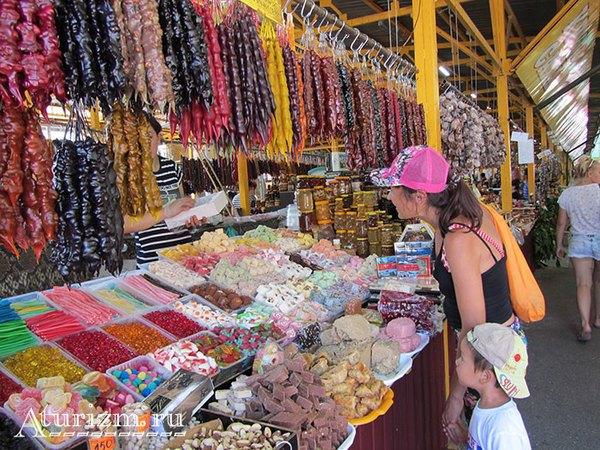 Рынок в Адлере