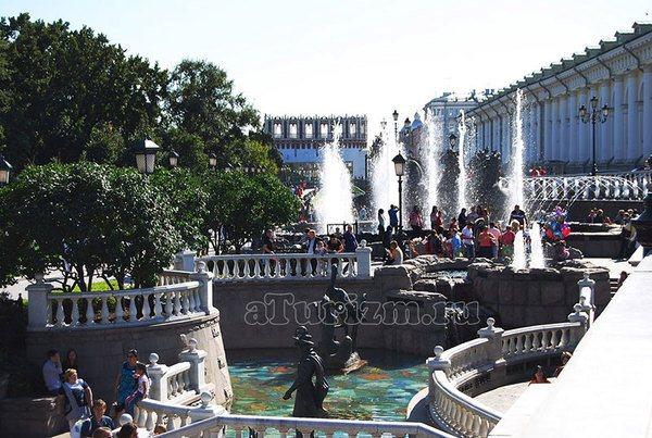 Фонтаны в Александровском саду фото