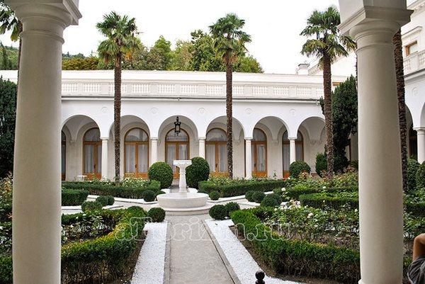 Итальянский дворик Ливадия Крым
