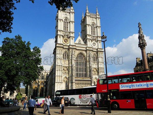 Улицы Лондона и двухэтажный автобус