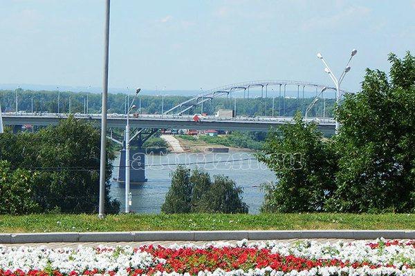 monument-druzhby-04