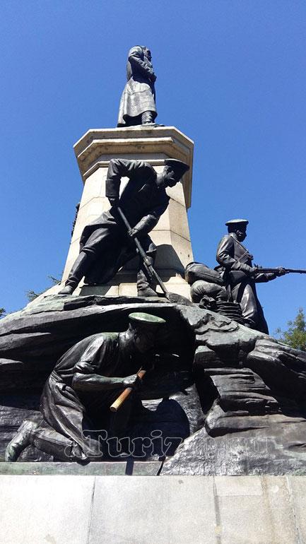 Памятник Э. И. Тотлебену