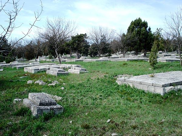 Братское мемориальное кладбище
