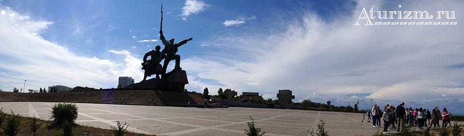 Панорама у памятника Матрос и солдат