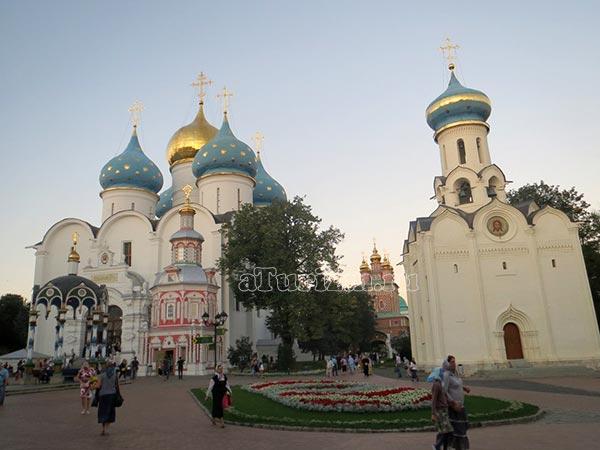 Свято-Тороицкая Сергиева Лавра фото
