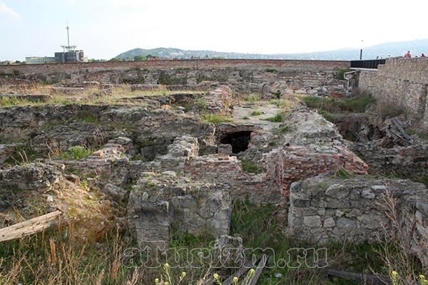 Раскопки на месте Будайской крепости