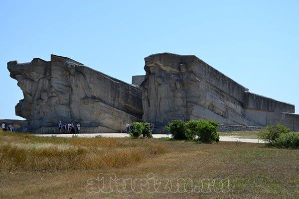мемориал-Аджимушкайские-каменломони