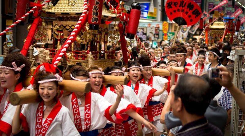 6 безумных японских фестивалей, в существование которых вы не поверите (фото)